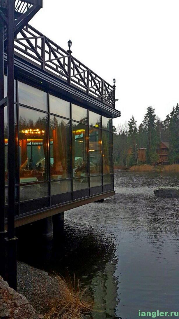 Ресторан над водой