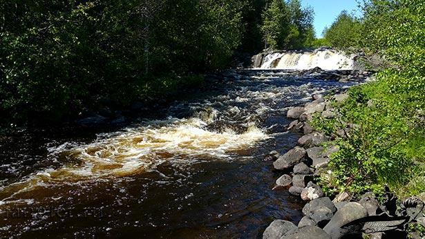 Водопад на реке остер